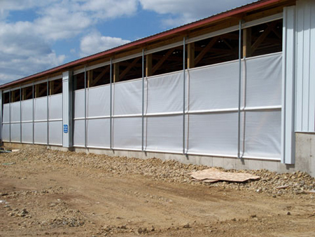 Roll O Matic Agricultural Amp Livestock Barn Curtain System